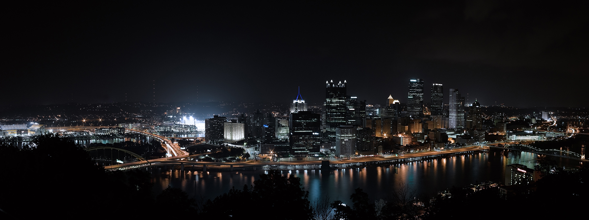Panoramic Photography of Pittsburgh, Pennsylvania, USA as seen from Mt Washington at night, by Travis Neely Photography